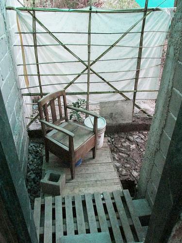 Baños Antiguos Barro:Taller de Bioconstrucción y Baño Seco en Semilla Salvaje