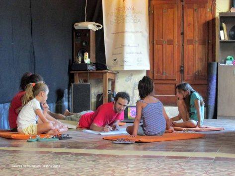 Taller de Mandala y Yoga para Niños: Un circulo de mandalistas.