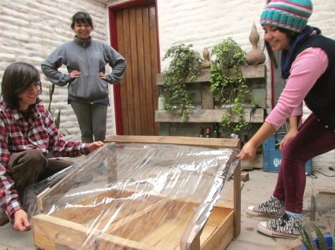 permacultura para deptos cold frame visita de tierra junio 22 15 small